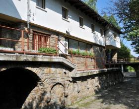 Хижи, Планински туризъм, Бачо Киро, Дряново, Места за настаняване