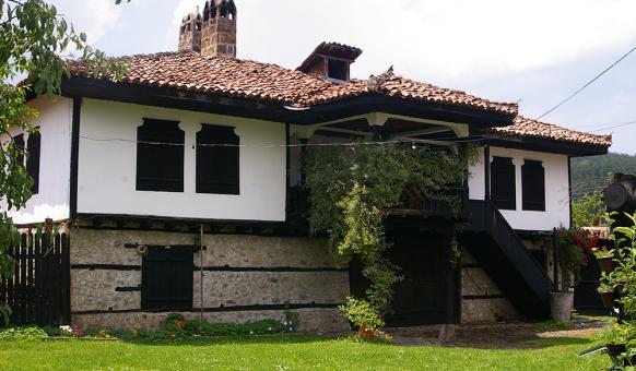 Арнаудовата къща в гр. Етрополе