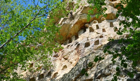 Древни светилища, Забележителности край Хасково, Глухите камъни